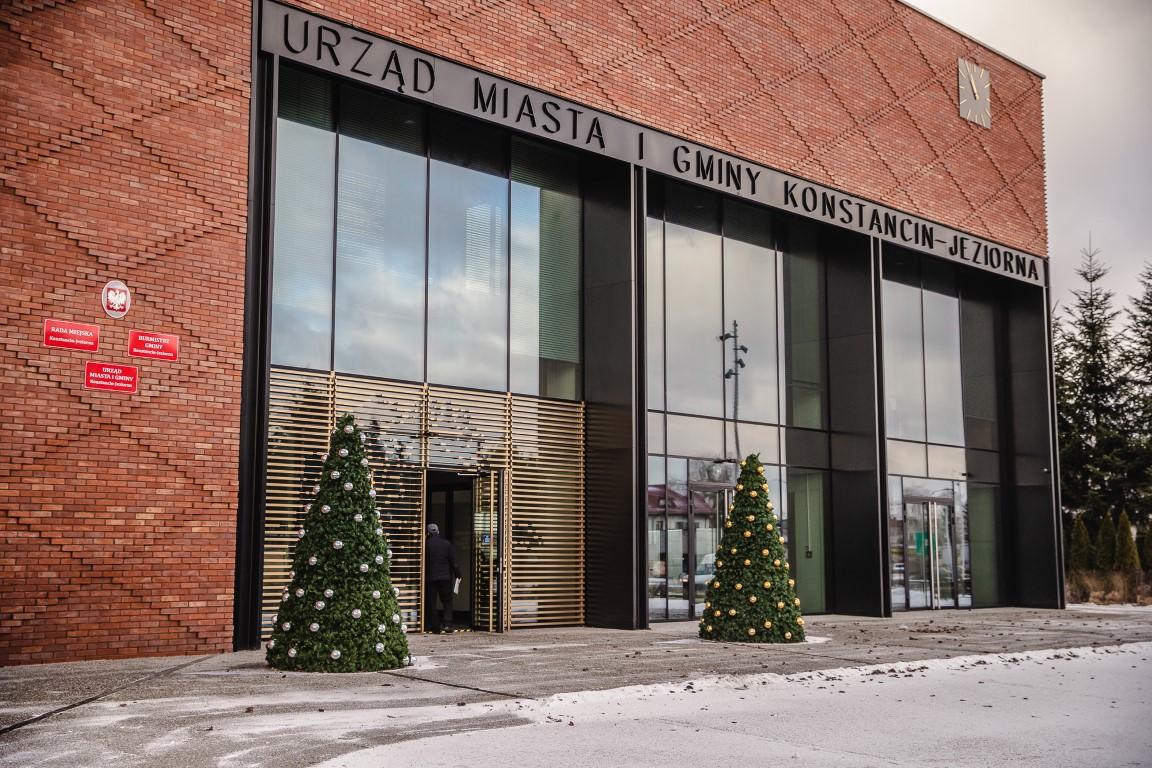Öffentliche Gebäude – bereit für Weihnachten