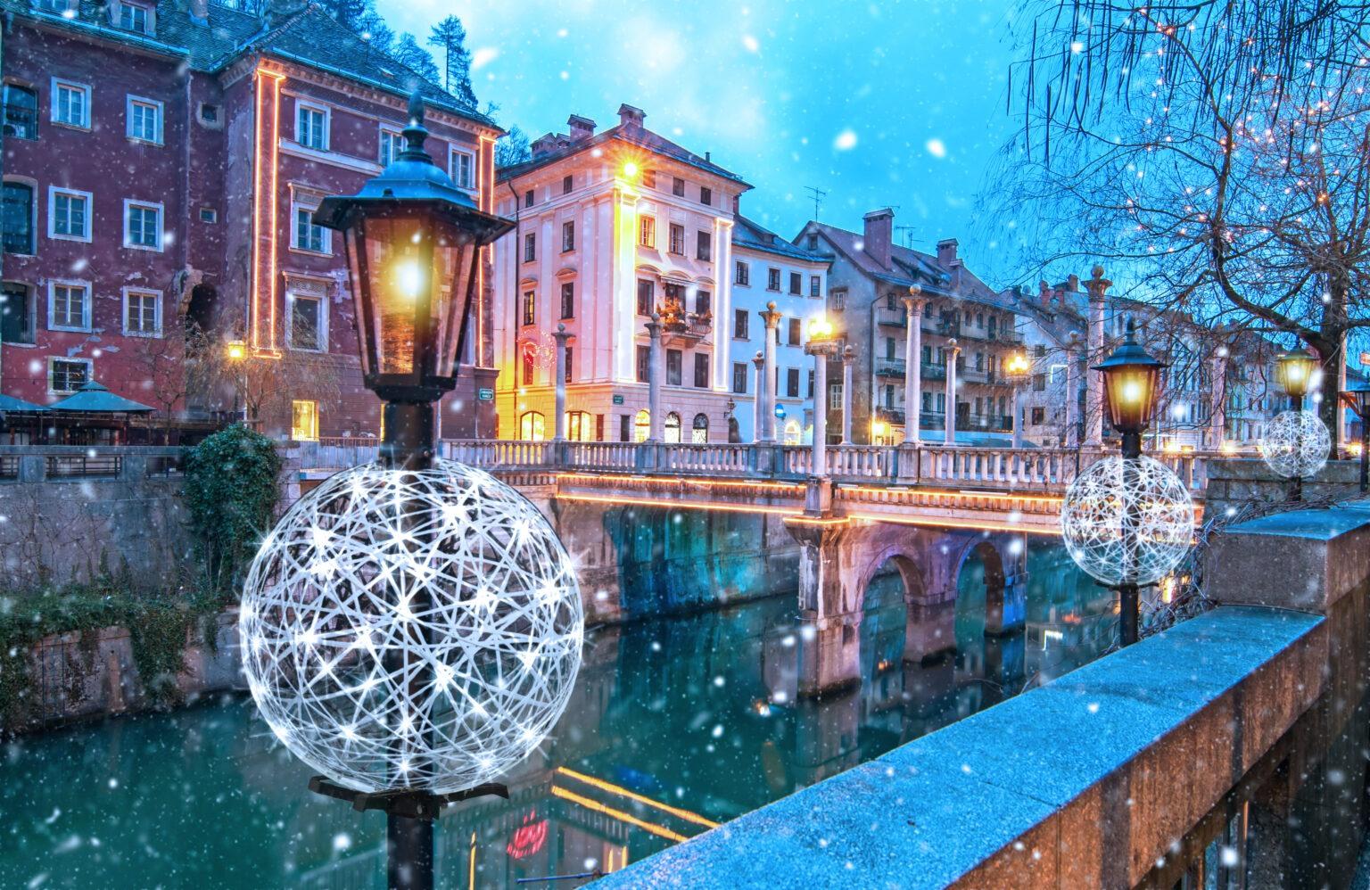 Heißer Wintertrend – Ajour-Dekorationen auf Straßenlaternen